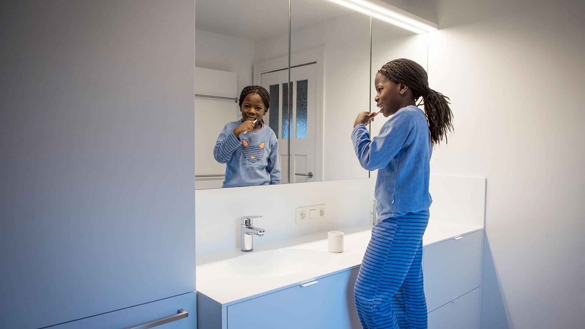 Rénover votre salle de bains ? Renoconcept rénove et vous installe une salle de bains facile à entretenir. Demandez-nous conseil !