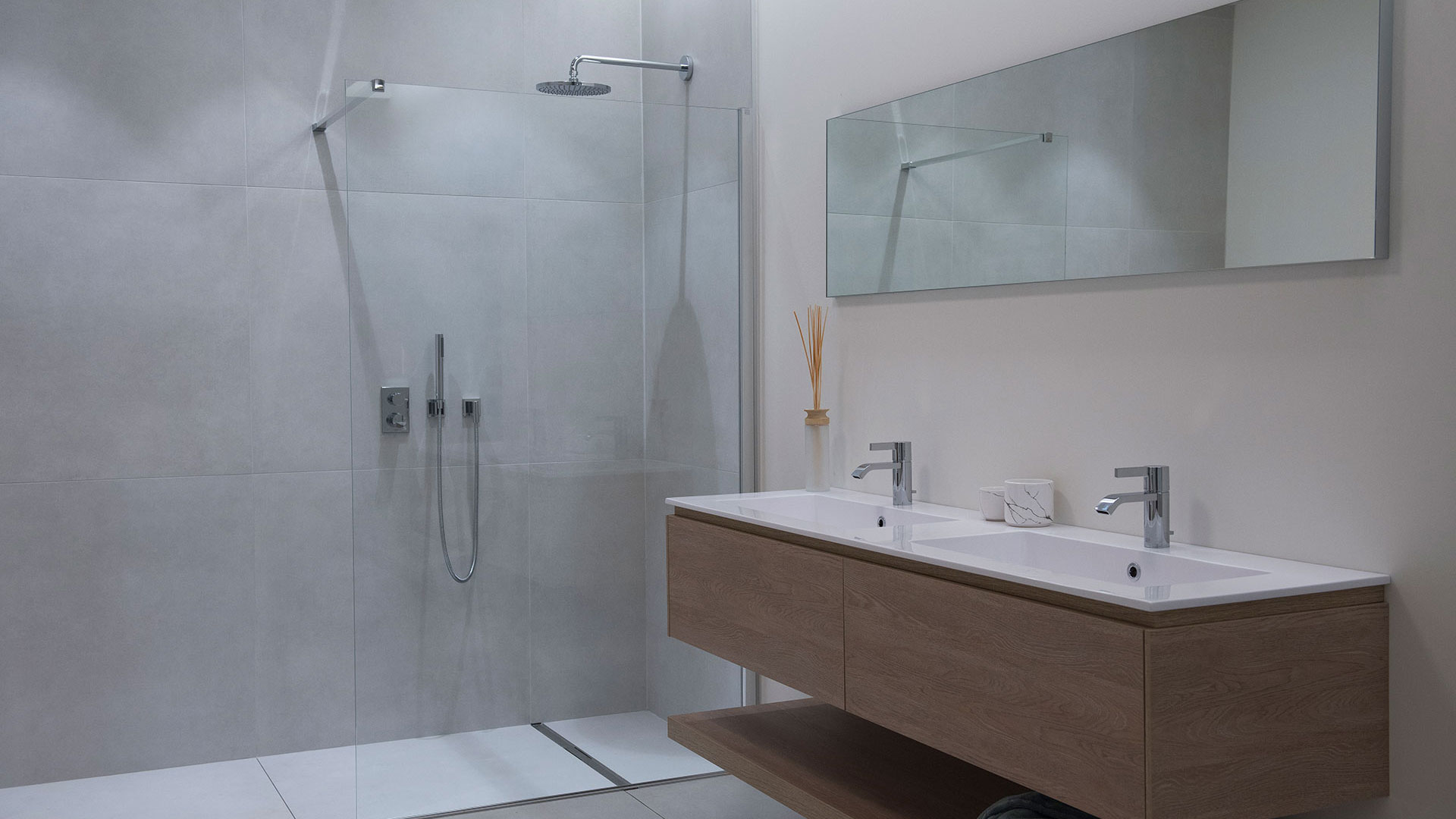 Renoconcept has the expertise to renovate every bathroom innovatively. Ask for advice!