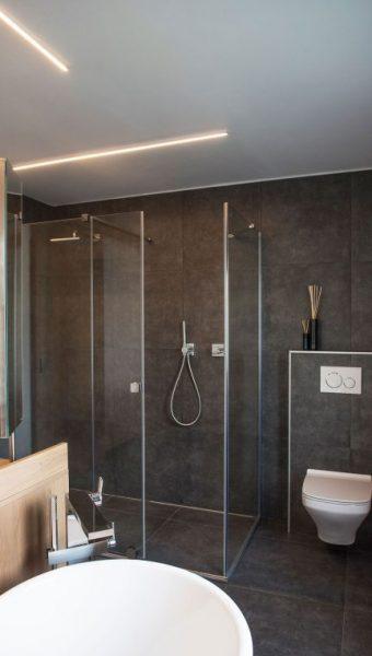 Project Renoconcept: Innovatieve meerwaarde. Foto volledige badkamer.