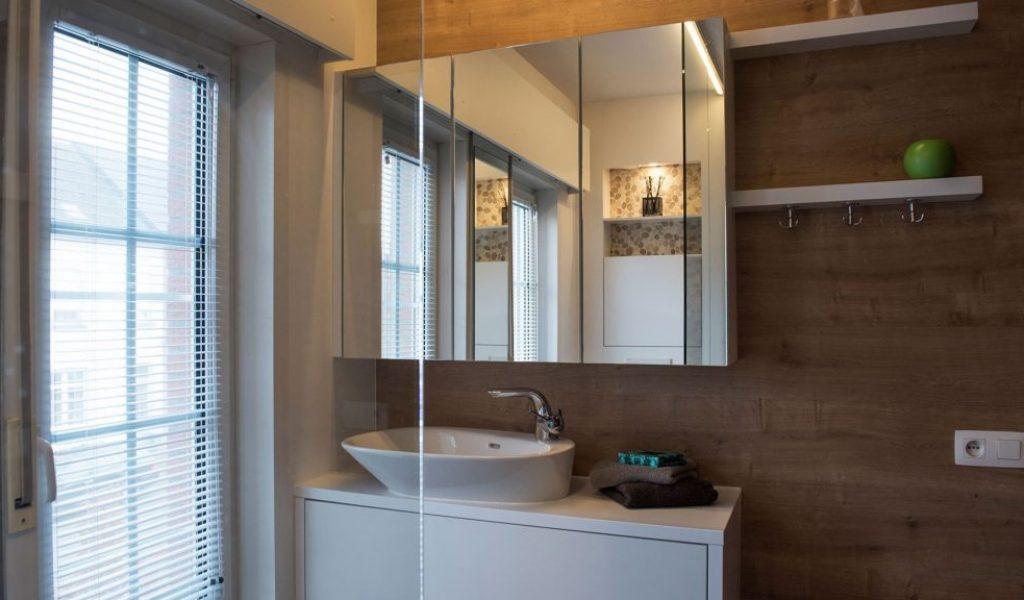 Project Renoconcept: Ruimte optimaliseren. Foto badkamermeubel op maat gemaakt.